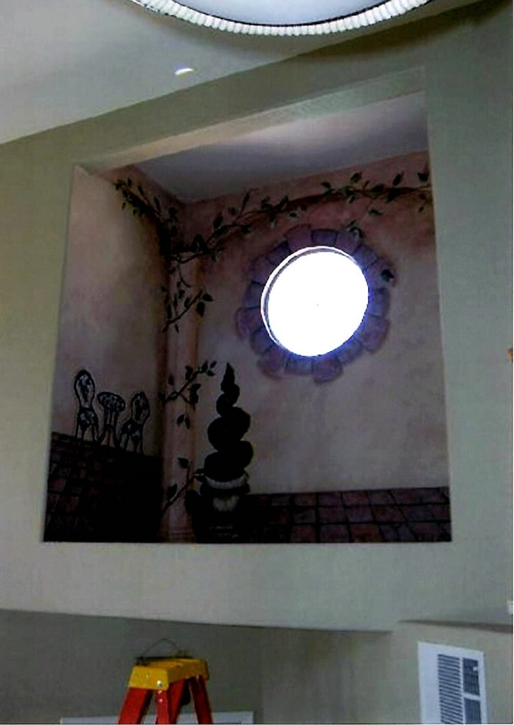 Second-Story Courtyrd Niche